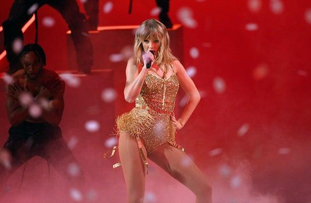 Taylor Swift performing at 2019 AMAs