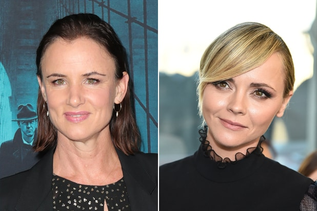 Juliette Lewis, Christina Ricci Among 8 Cast in Showtime Pilot 'Yellowjackets'