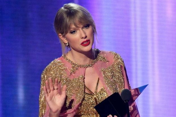 Ratings: AMAs Fall to Another Record Low in Key Demo Ratings