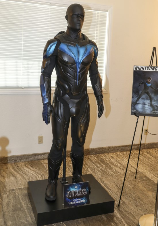Nightwing suit DC Titans