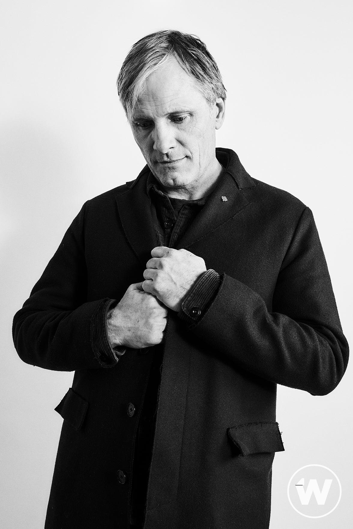 Viggo Mortensen, Falling