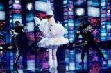 The Masked Singer Bella Thorne Swan