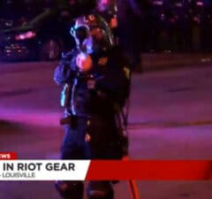 louisville police shoots at reporters