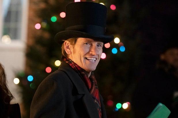 Why 'The Moodys' Abandoned Christmas for Season 2.jpg