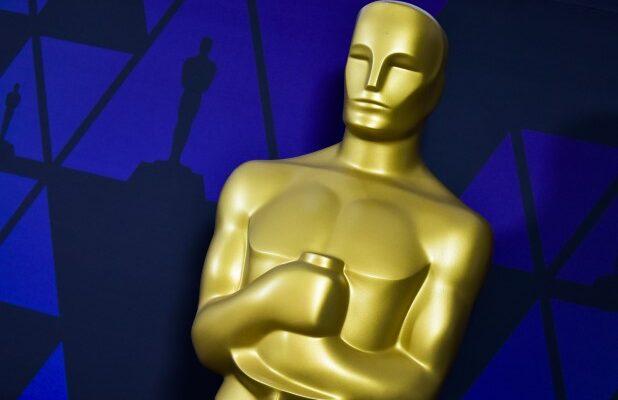 Oscars statue blue