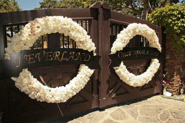 Neverland Ranch Gate Michael Jackson