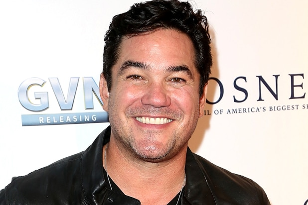 dean cain to host family film awards