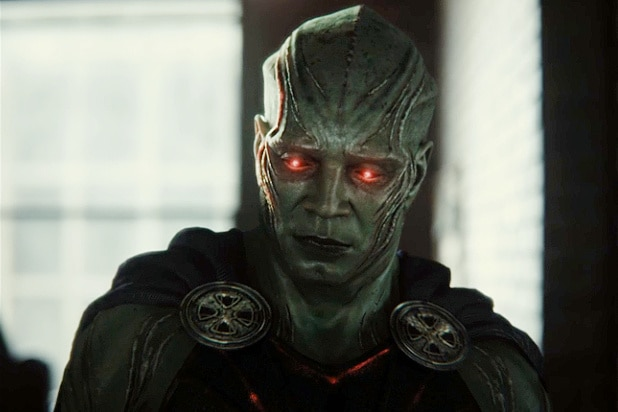 "how martian manhunter ended up in zack snyder justice league snyder cut - Huevos de Pascua y referencias de la ""Liga de la Justicia de Zack Snyder"""
