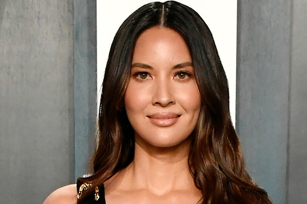 'TheWrap-Up' Podcast: Actress Olivia Munn thumbnail