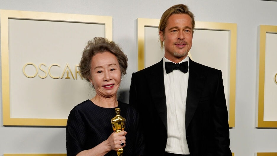 Yuh-Jung Youn Brad Pitt 2021 Oscars