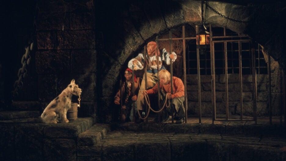 pirates of the caribbean disney world magic kingdom