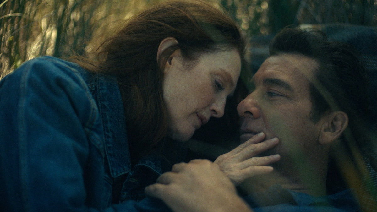 Julianne Moore Has Night Terrors – and for Good Reason – in 'Lisey's Story' Trailer (Video).jpg