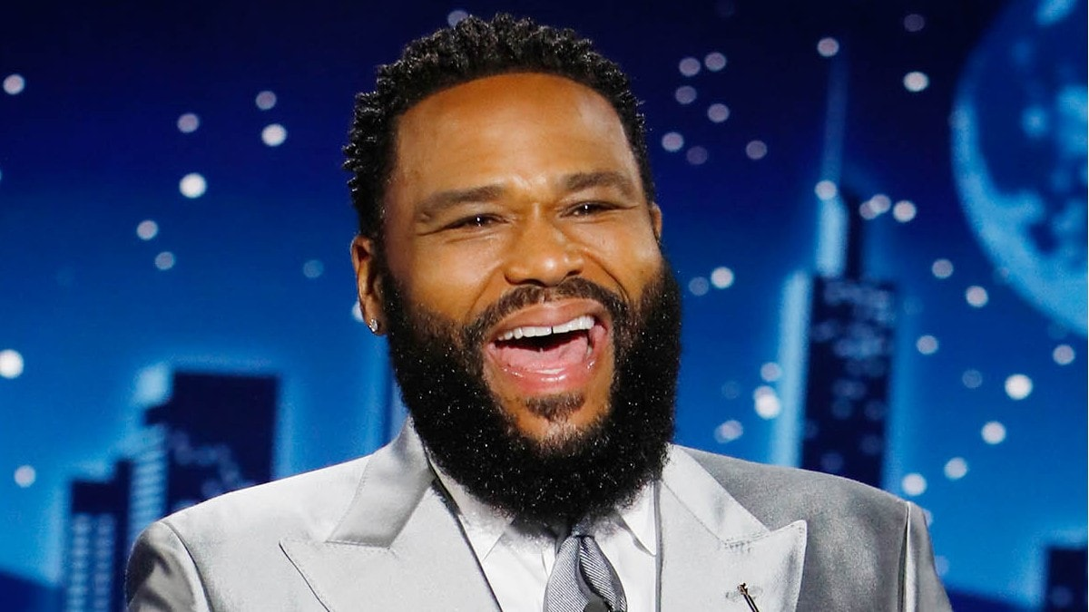 Anthony Anderson Spends $1200 to Find Someone Who Can Spell NBA Finals MVP Giannis Antetokounmpo's Name (Video).jpg