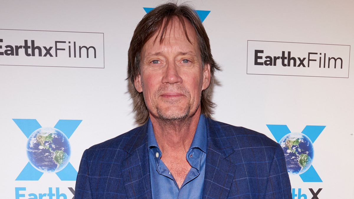 Kevin Sorbo Claims He Threw a Fit Over Masks in a Starbucks, Mass Mockery Ensues.jpg
