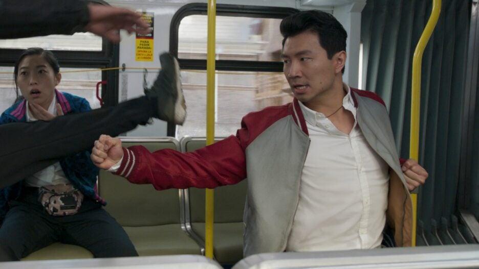 shang-chi bus fight simu liu