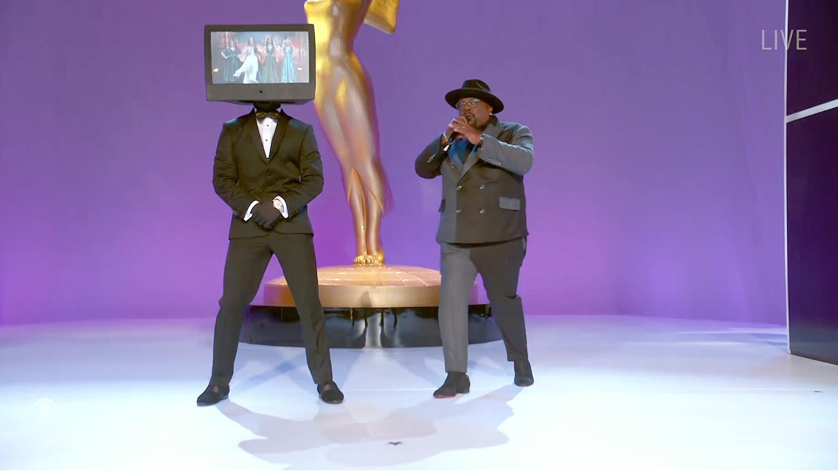 Cedric the Entertainer Opens 2021 Emmys With TV-Themed Biz Markie Tribute (Video).jpg