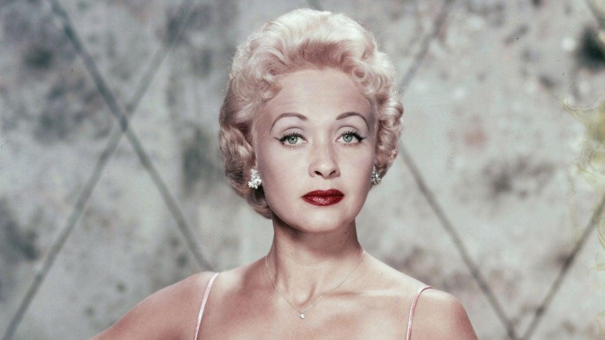 Jane Powell, Golden Age Hollywood Star of 'Royal Wedding,' Dies at 92.jpg