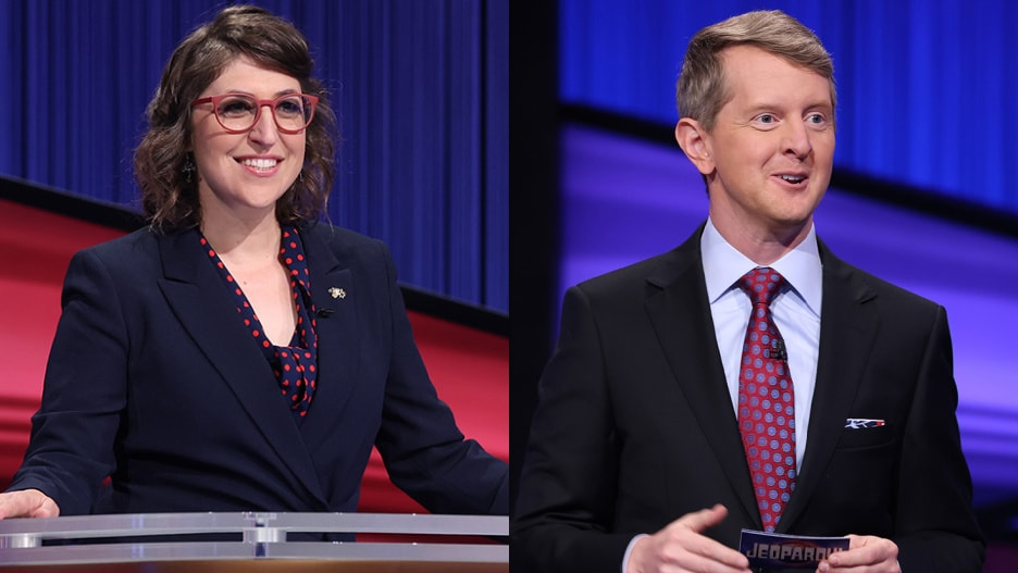 Mayim Bialik and Ken Jennings to Host Remaining 2021 'Jeopardy!' Episodes.jpg